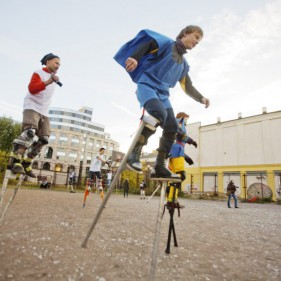 5 октября - футбол на ходулях впервые в Санкт-Петербурге
